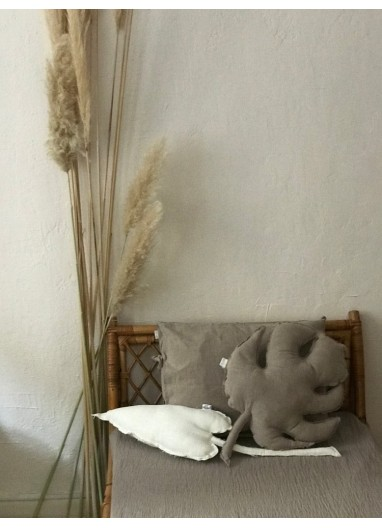 Cale Leaf Cushion Ivory